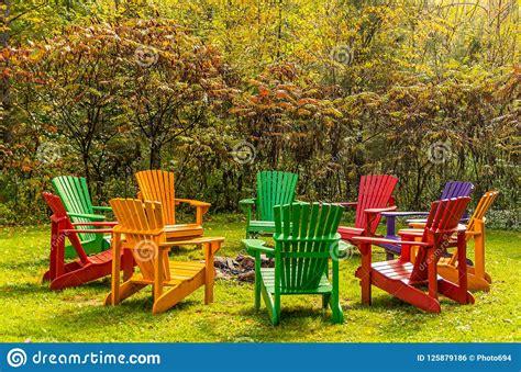 Adirondack-Chair-In-Circle