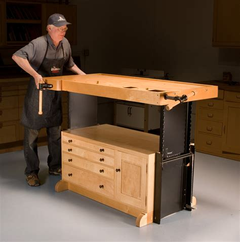 Adjustable Height Woodworking Workbench
