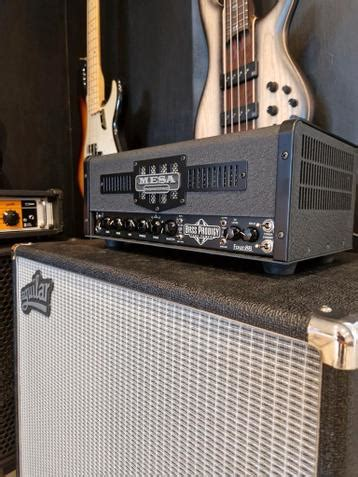 Aguilar DB 212 8 Ohms | Two 12 inch Speakers 600 Watts Cabinet Classic Black