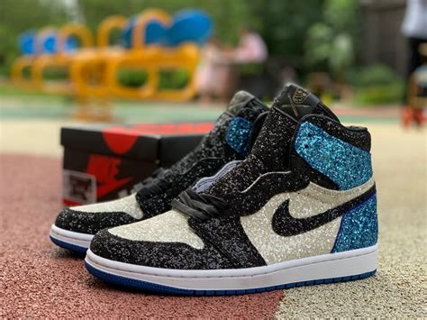 Air Jordan 1 Retro High OG Mens Basketball Shoes