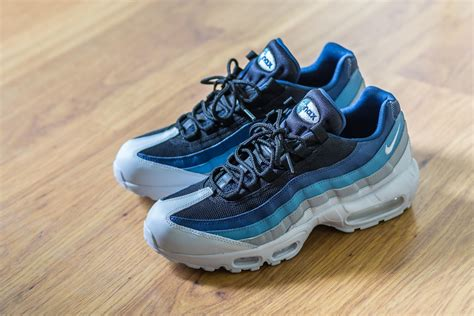 Air Max 95 Essential Lifestyle Sneakers New