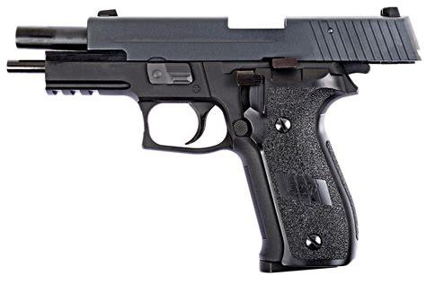 Airsoft We Sig P226 And Glock 19 Versus Sig P226