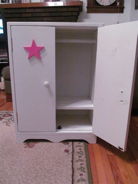 American-Girl-Doll-Armoire-Plans