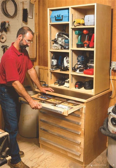 American-Woodworker-Tool-Cabinet