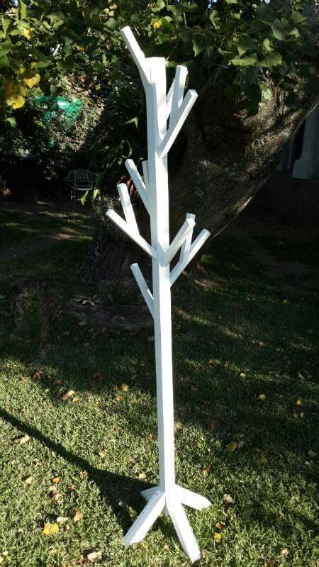 Ana-White-Coat-Tree