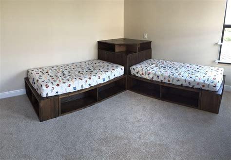 Ana-White-Corner-Bed