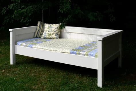 Ana-White-Farm-Day-Bed