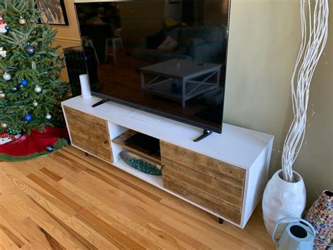 Ana-White-Pallet-Wood-Tv-Console