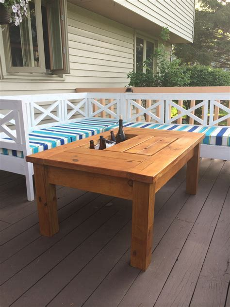 Ana-White-Patio-Table-With-Cooler