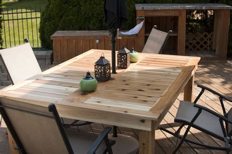 Ana-White-Simple-Patio-Table