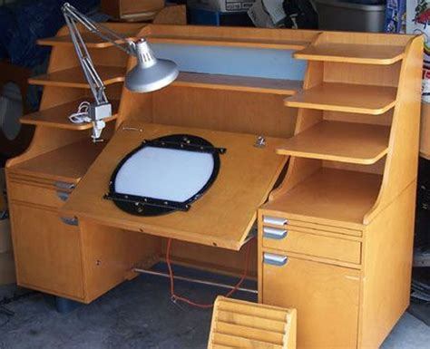 Animation-Desk-Woodworking-Plans