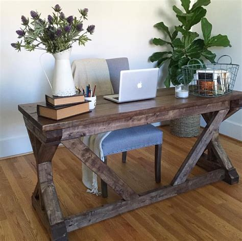 Anna-White-Diy-Desk