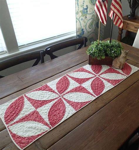 Antique-Farmhouse-Table-Runner