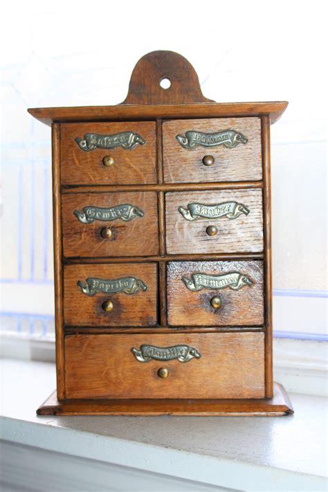 Antique-Spice-Cabinet-Plans