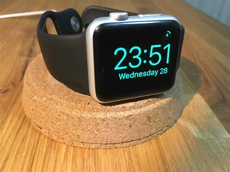 Apple Watch 3 Charger Stand Diy