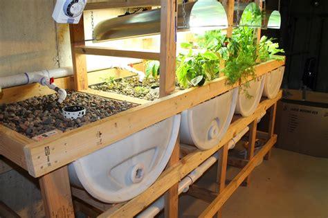 Aquaponics-Grow-Bed-Plans