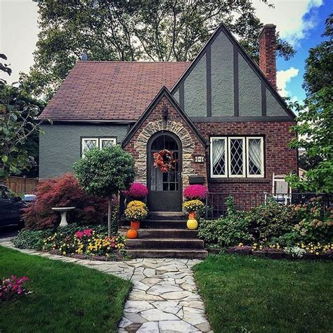 Are-There-Storybook-Tiny-House-Plans-Available