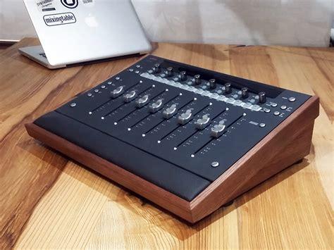 Artist-Mix-Desk-Avid-Diy