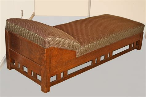 Arts-And-Crafts-Daybed