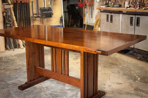 Arts-And-Crafts-Dining-Room-Table-Plans