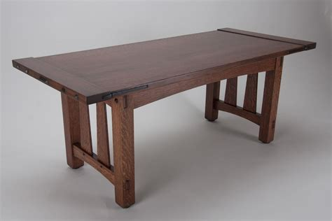 Arts-And-Crafts-Style-Dining-Table-Plans
