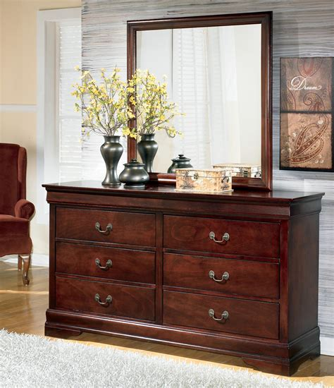 Ashley-Dresser-With-Mirror