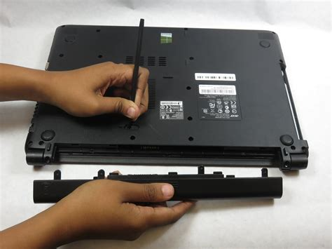 Aspire One Battery Removal