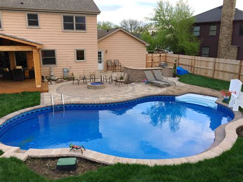Average Cost To Build A Deck Around A Pool