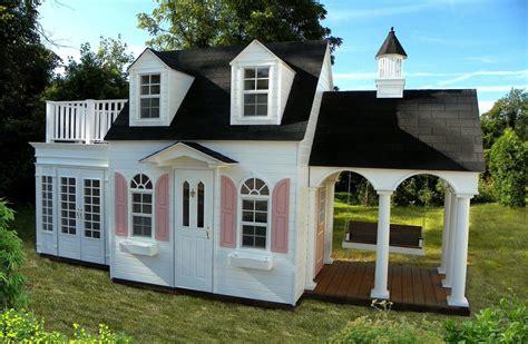 Backyard-Cottage-Playhouse-Plans