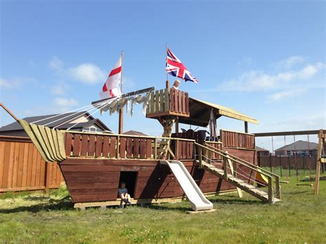Backyard-Pirate-Ship-Playhouse-Plans