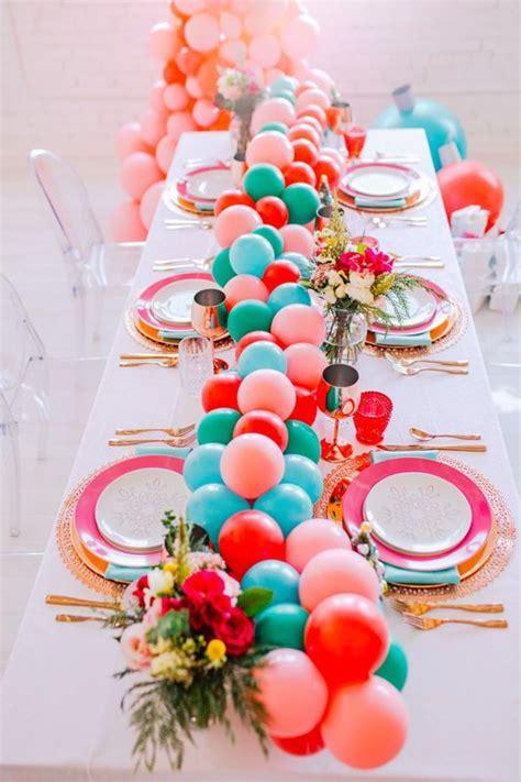 Balloon-Table-Runner-Diy