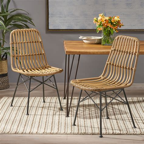 Bamboo Dining Room Tables And Chairs At Wall