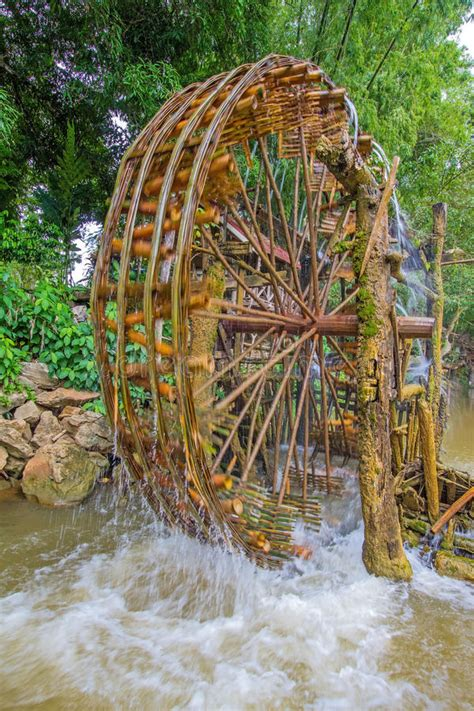 Bamboo-Water-Wheel-Plans