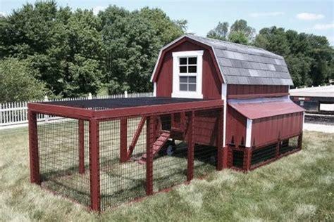 Barn-Style-Chicken-Coop-Plans