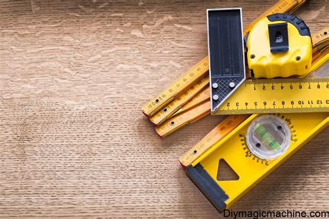 Basic-Woodworking-Measuring-Tools