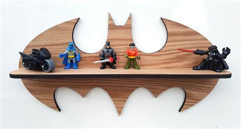 Batman-Shelf-Diy