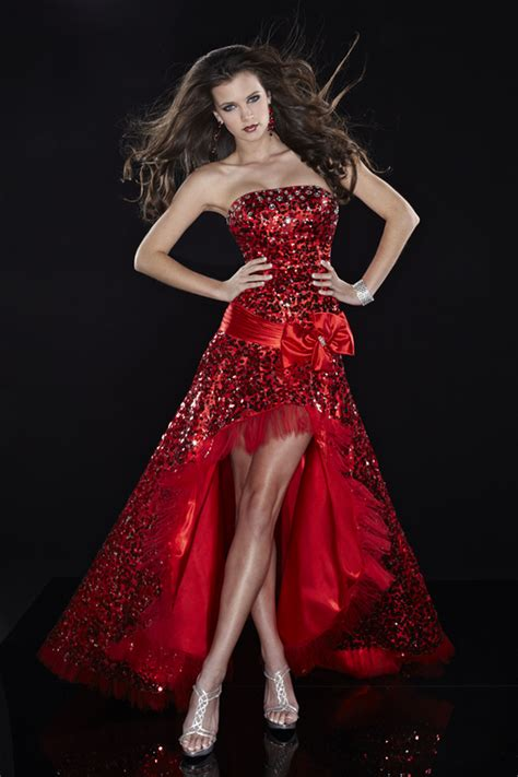 Be Stylish With Women's Party Dresses