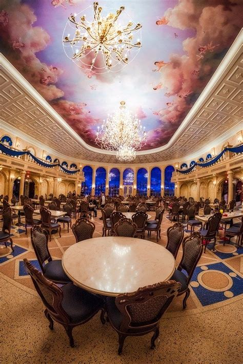 Bed-Our-Guest-2018-Dining-Plan