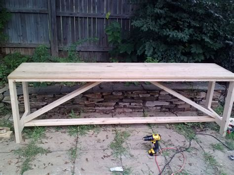 Beer-Garden-Table-Diy