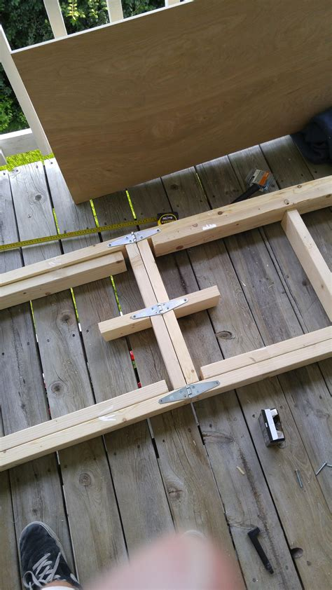 Beer-Pong-Folding-Table-Plans