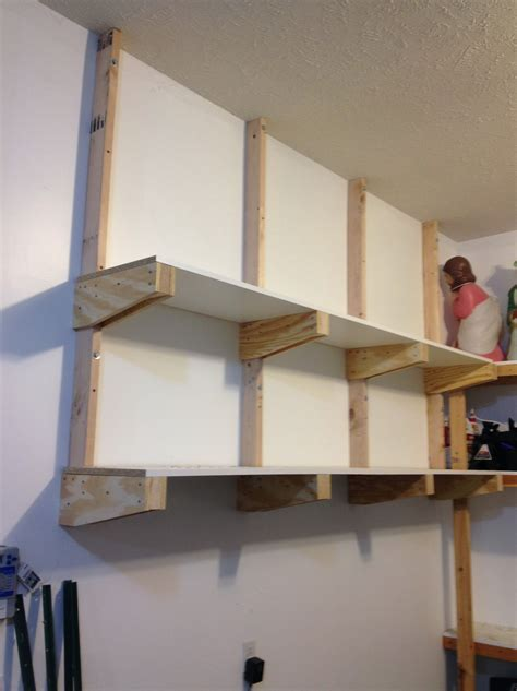 Beginner-Diy-Garage-Wall-Shelves