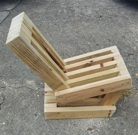 Beginner-Wood-Furniture-Projects