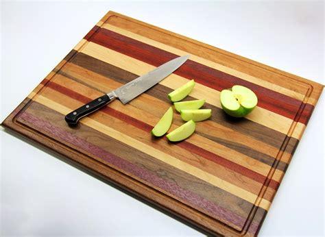 Beginner-Woodworking-Cutting-Board