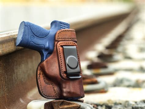 Best IWB Holster for the Shield 9mm [Our Top 5 Choices]