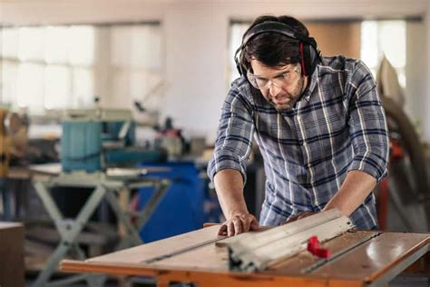 Best Table Saw For Woodworking Beginner