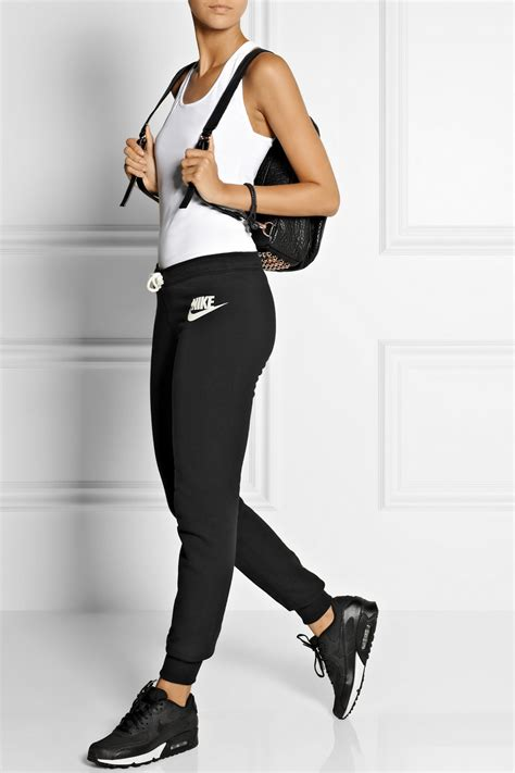 Black Nike Sneakers With Jeans