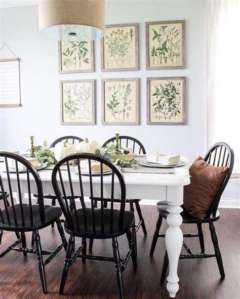 Black-Chairs-White-Farmhouse-Table