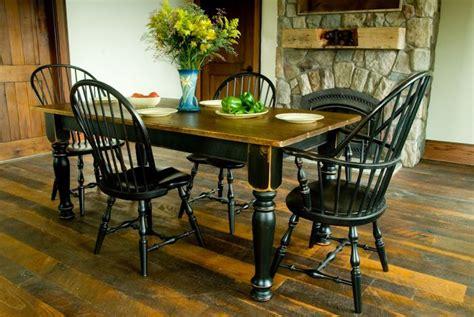 Black-Kitchen-Farm-Table