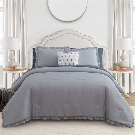 Blue-Farmhouse-Bedding