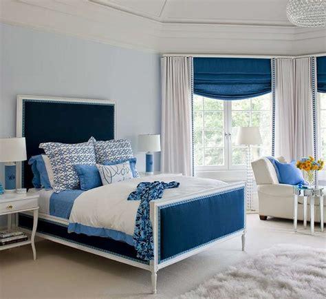 Blue-White-Bedroom-Design